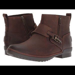 Ugg cheyne boots